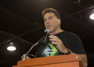 ROSEMONT, IL - AUGUST 18: Lou Ferrigno speaks at Wizard World Chicago Heroes Honoring Heroes Event on August 18, 2016 in Rosemont, Illinois. (Photo by Tasos Katopodis/Getty Images for Wizard World)
